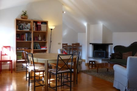 Spacious loft in the heart of Cluso - Clusone - Apartament