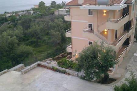 Villa Imperial apartament - Dhërmi - Villa - 1