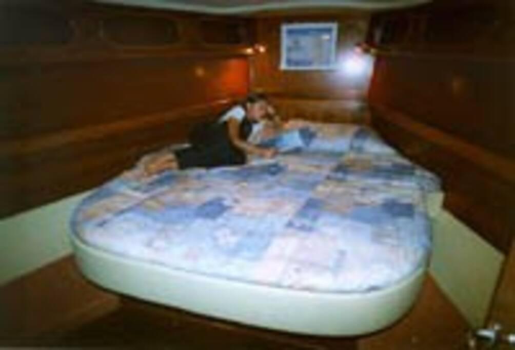 2 cabines avec grand lit très confortables