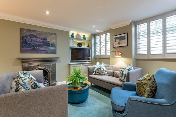 Beaches Brighton 1 - Luxury Seafront Accommodation