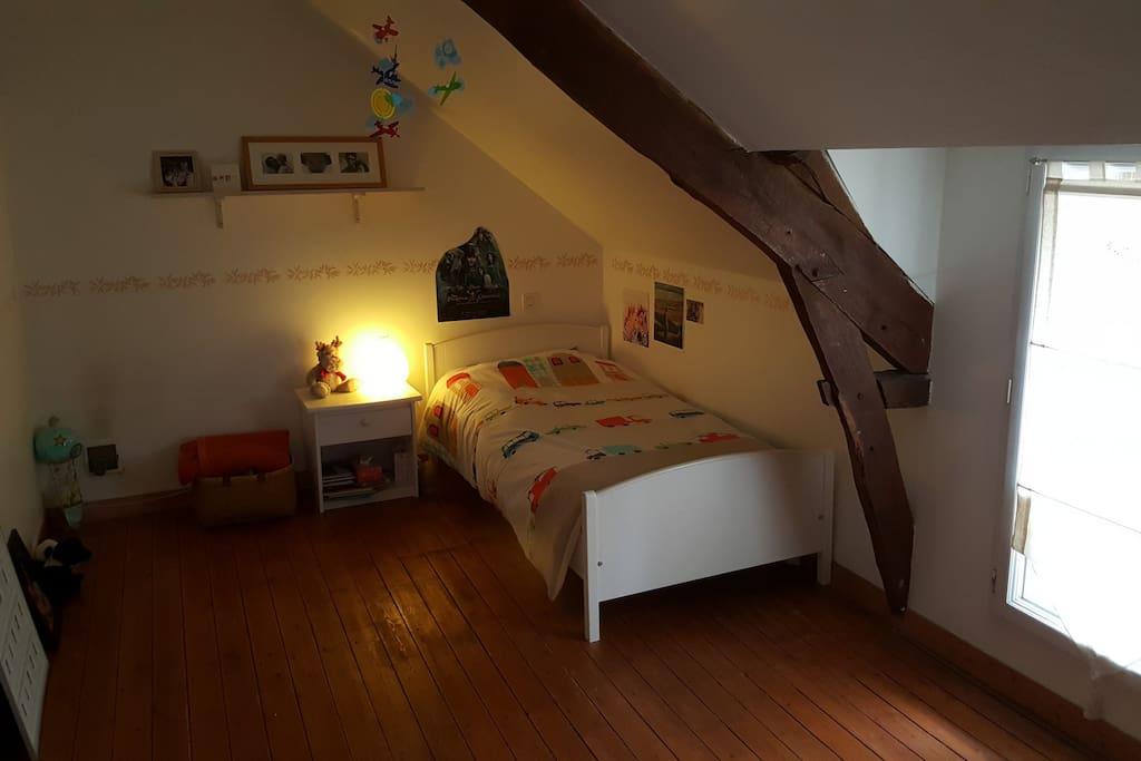 chambre avec lit 1 place
