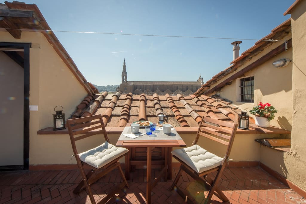 Terrace with room to dine for up to six people