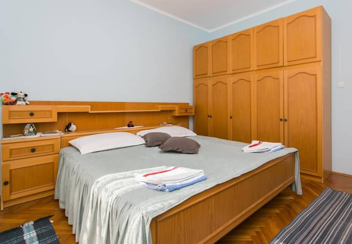 Rooms Ivan - Double Room with Shared Bathroom and Sea View-2