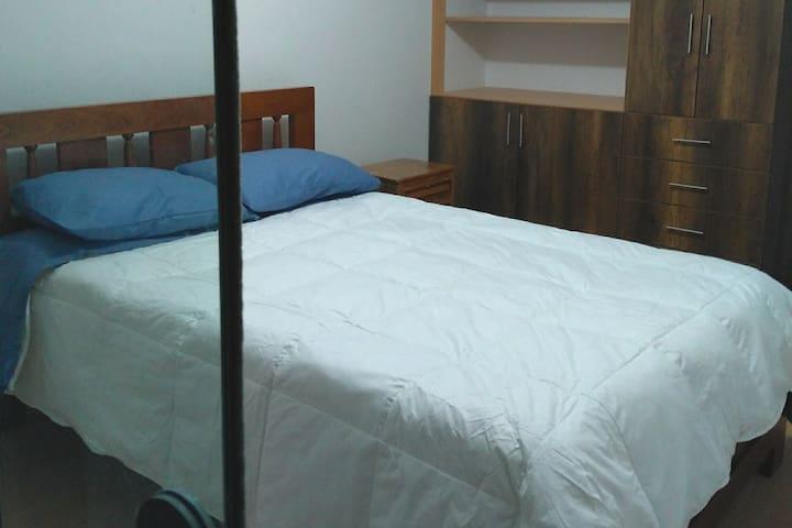 Dormitorio 02 / Bedroom 02