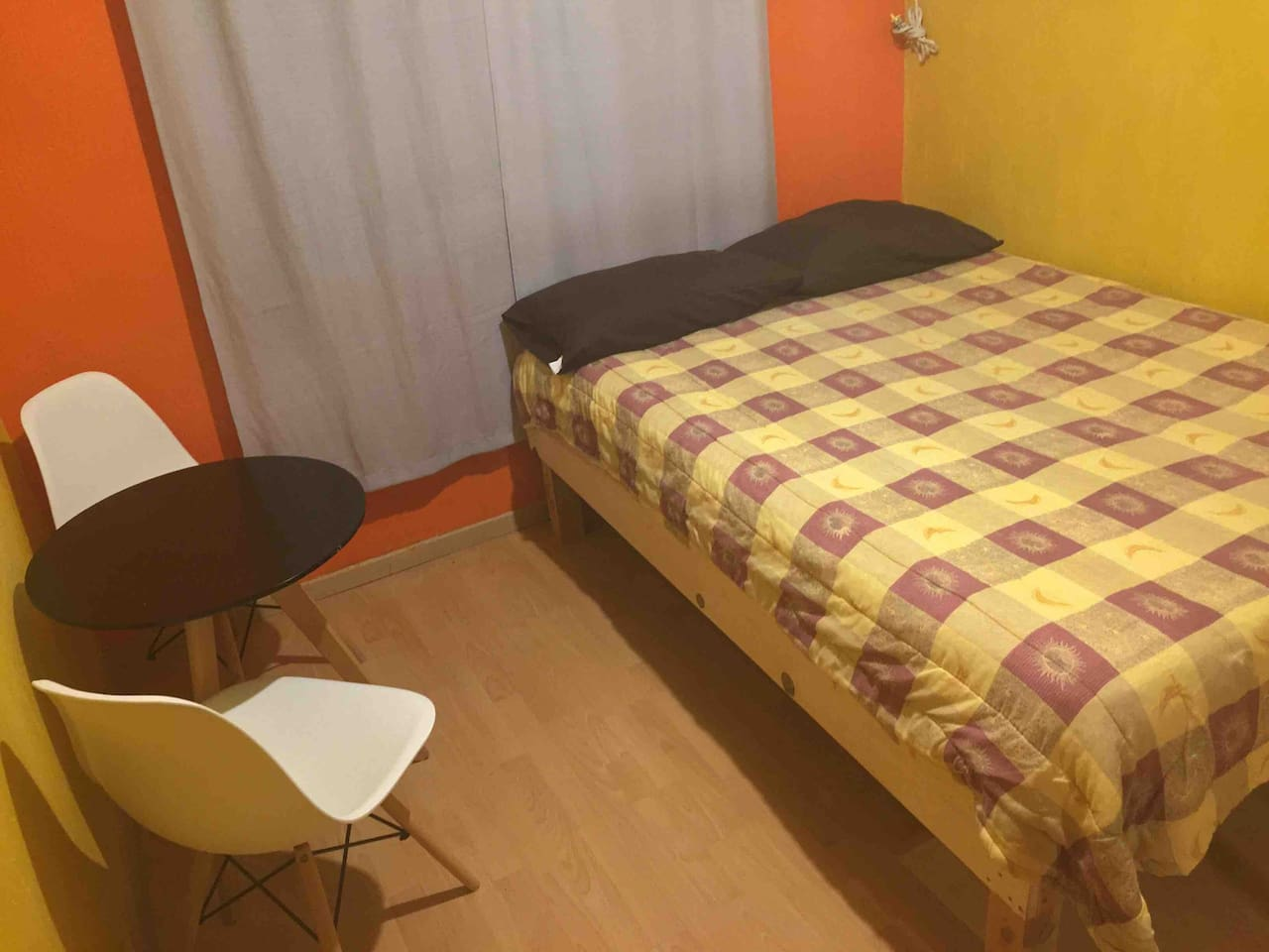 Casa Nico - Orange Room