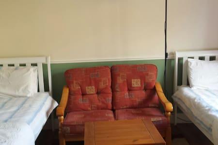Twin Room - Westbury