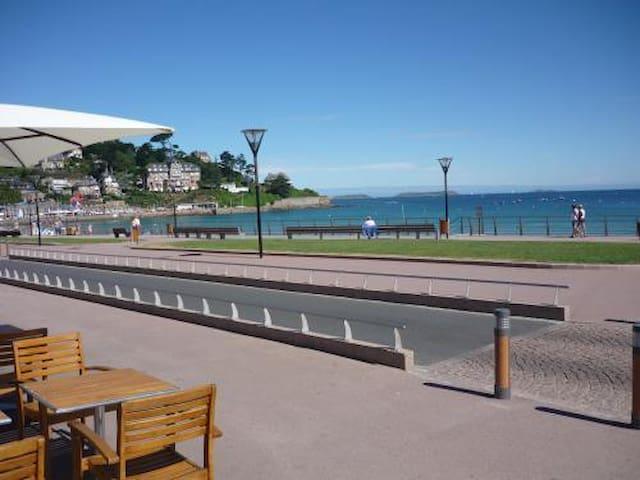 studio Côtes de granit rose,Trestraou,plage à 200m