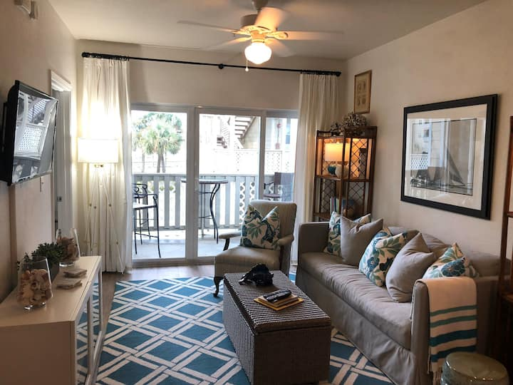 Beach unit that has it all!  Newly decorated!