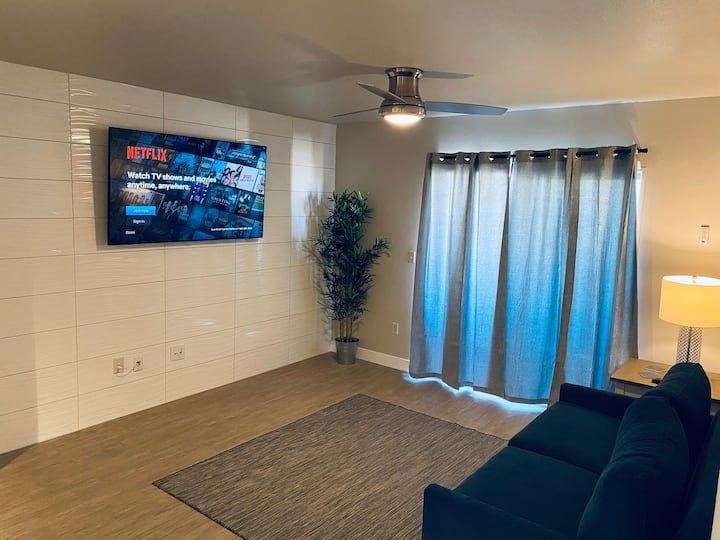 STUNNING LV Strip/ Mountain View's 2 bed condo!!!!