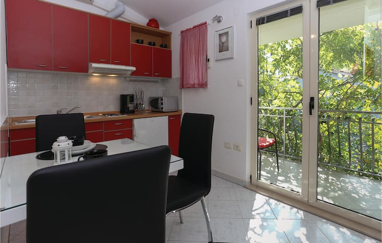Holiday apartment with 1 bedroom on 38m² in Arbanija