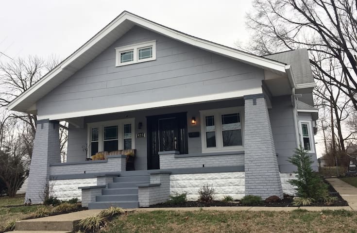 Gorgeous historic craftsman home - Jeffersonville - Casa
