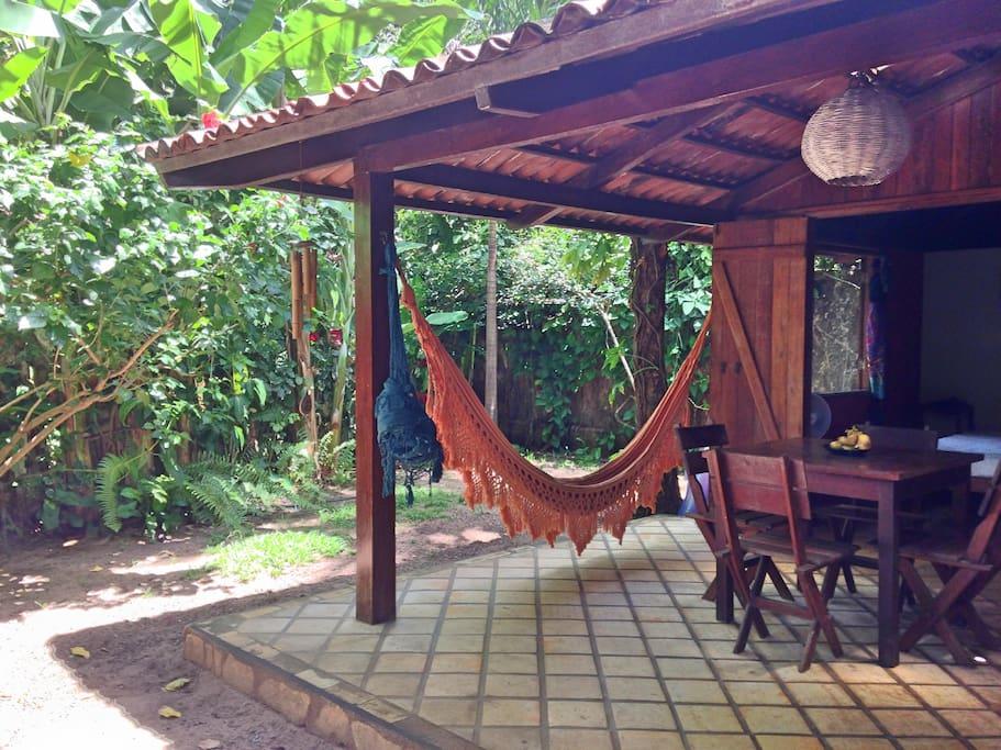 Terrace with double hammocks / Terrasse avec double hammacs