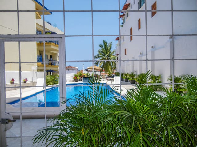 Boana Torre Malibu CondoHotel-pool level condo 004