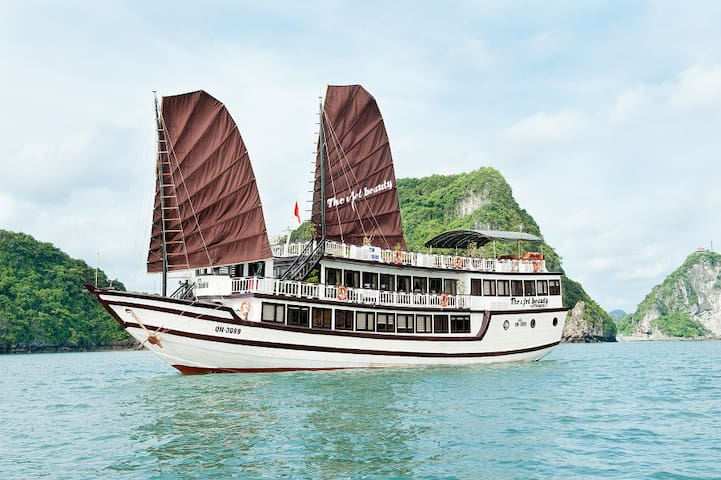 Private cabin on Viet Beauty Cruise 4 stars - Thành phố Hạ Long