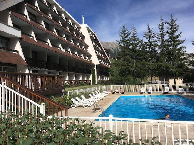 Studio MAEVA avec piscine à Serre Chevalier