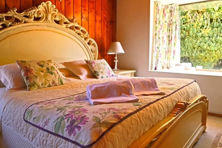 Suite cuádruple con baño privado, HM Hostal Bout..