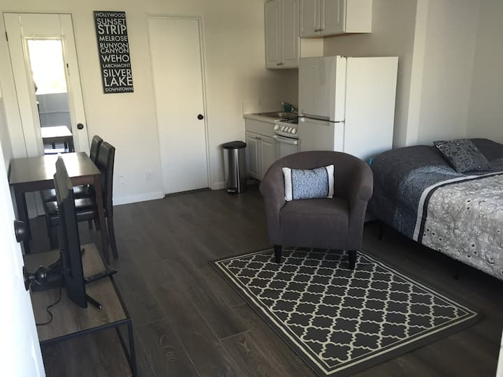 Cool and Comfortable Studio, Los Angeles