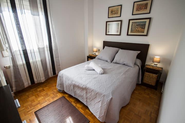 Preciosa habitación en el corazón de Pamplona