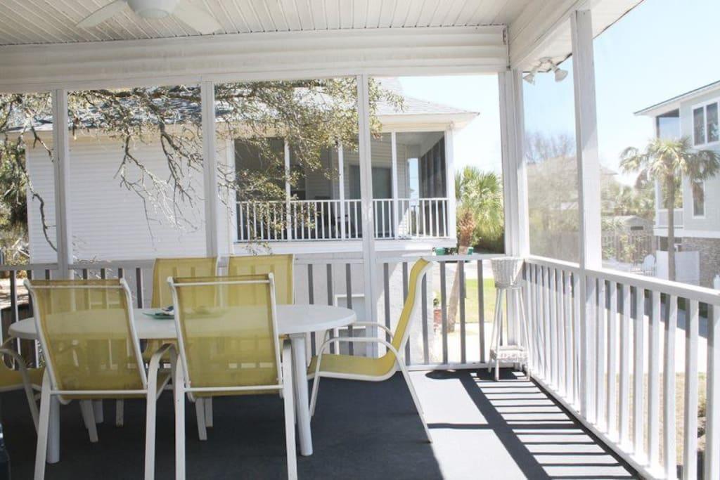 Screened balcony to enjoy the ocean breezes