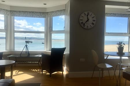 THE UPPER DECK sea view apartment Aberdovey
