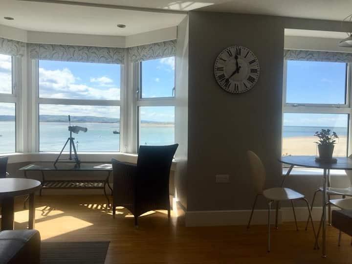 THE UPPER DECK sea view apartment Aberdovey