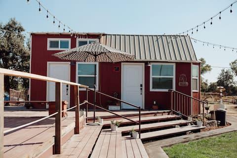 Remote Tiny House Farm Getaway for 2 ~  Sequoia NP