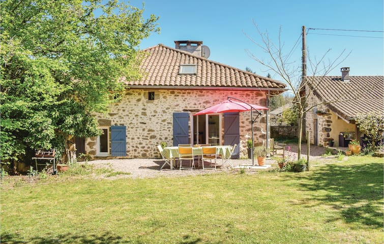 Semi-Detached with 3 bedrooms on 100m² in Marval