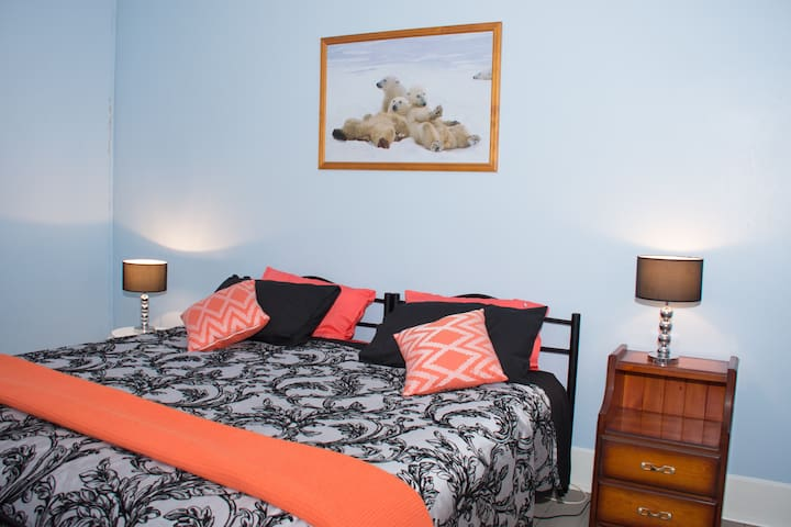 Kimba Travellers' Haven Twin Single Bedroom 3