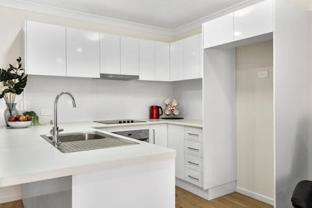 Self contained Brand new units - Toowoomba - Apartment