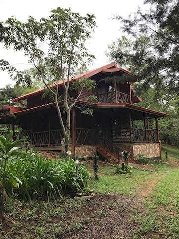 Rústica cabaña de montaña en Santa María de Dota