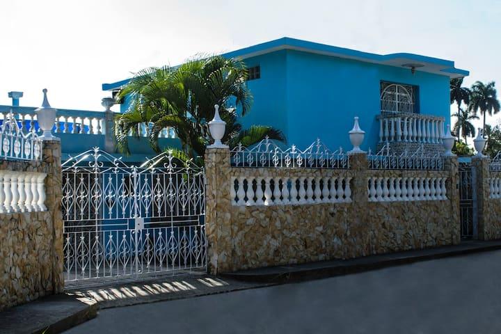 Hostal Mangos Habana (habitación planta alta)