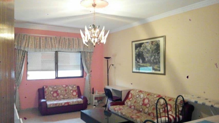 Habitacion en piso en Vecindario - Весиндарио - Дом