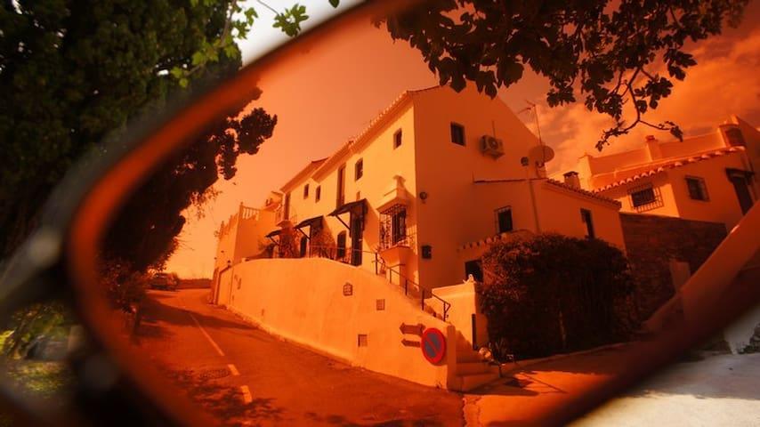Casa Geco -charmantes Haus 4 min zu Fuß vom Meer - La Herradura - Rumah