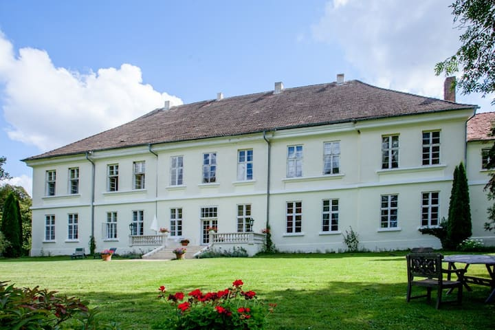 Flat in Mecklenburg Mansion - Whg 1