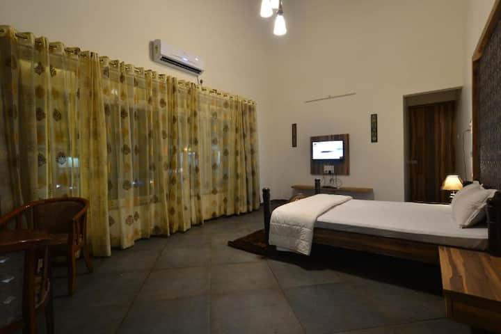 Suite Room @ Nashik Trimbakashwar Road