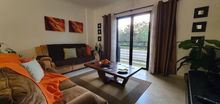 Confortable apartamento, en punta cana village.