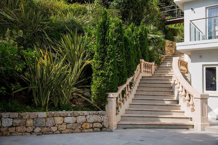 VIP Villa Sandryon in the Exclusive Cap d'Antibes