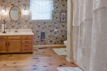 Rose Room - Blue Ridge Inn Bed and Breakfast