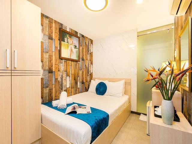 GALAXY HOTEL 269/19 De Tham, CENTER Dist 1.