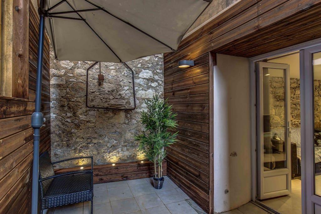 Cannes appart 3 pi ces salle d 39 eau douche coin cui guest - Le bon coin location salon de provence ...