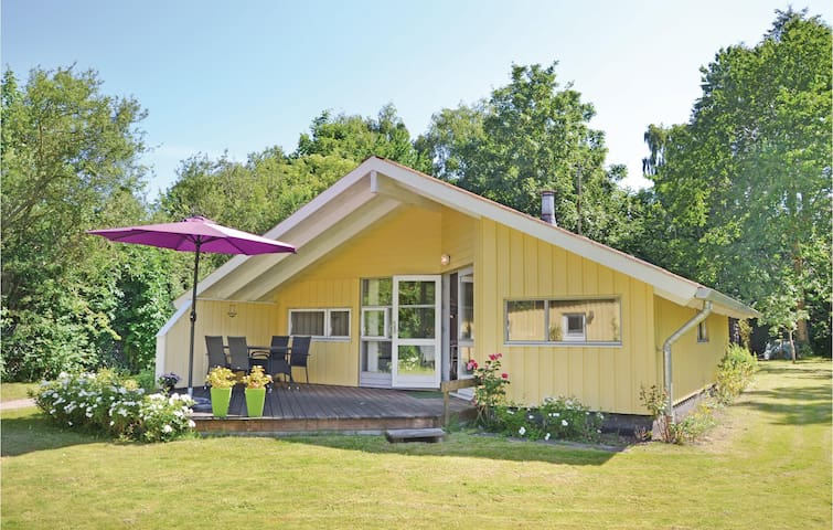 Holiday cottage with 4 bedrooms on 67m² in Ølsted