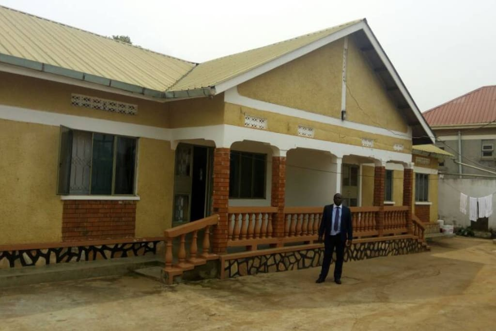 REMU GUESS HOUSE , resr gardens right behind - has 7 self contained rooms , lounge and dining