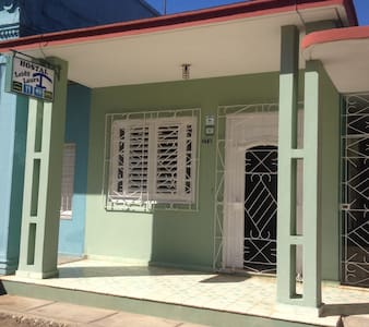 Hostal Leidy Laura, One Step to Paradise - Morón - Bed & Breakfast
