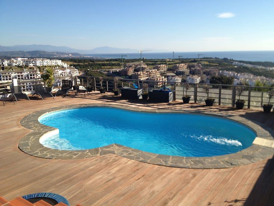 Decked pool 8x4m