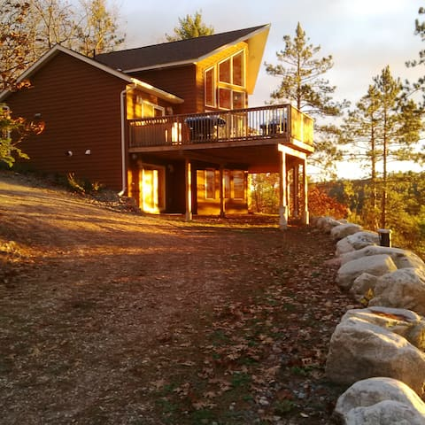 Desbarats Lake Viceroy Off-Grid Cottage