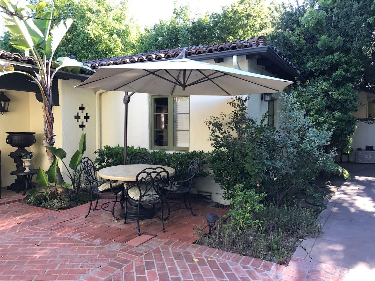 Guest's private patio 客人专用花园