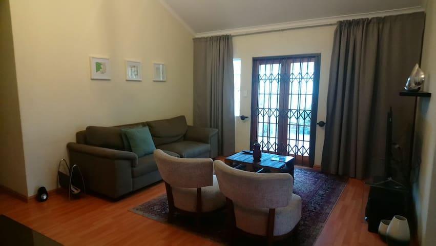 Beautiful & Well-Lit 2 Bedroom Midrand House