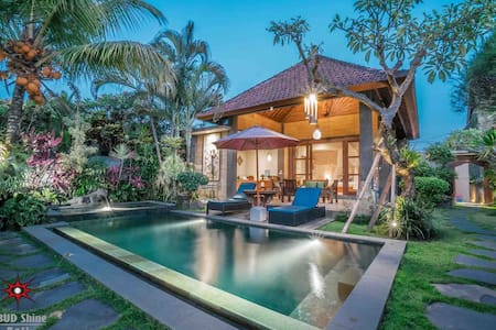 Private 3BR VILLA with pool and garden