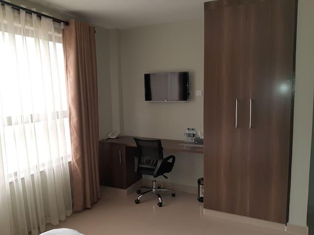 Emilia Apartments - 1st Floor Hotel Room 1