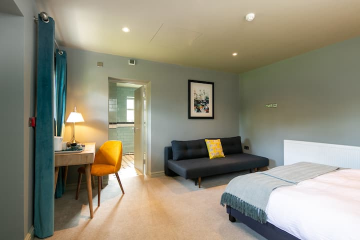 The Cowdray Arms Family Room with Ensuite